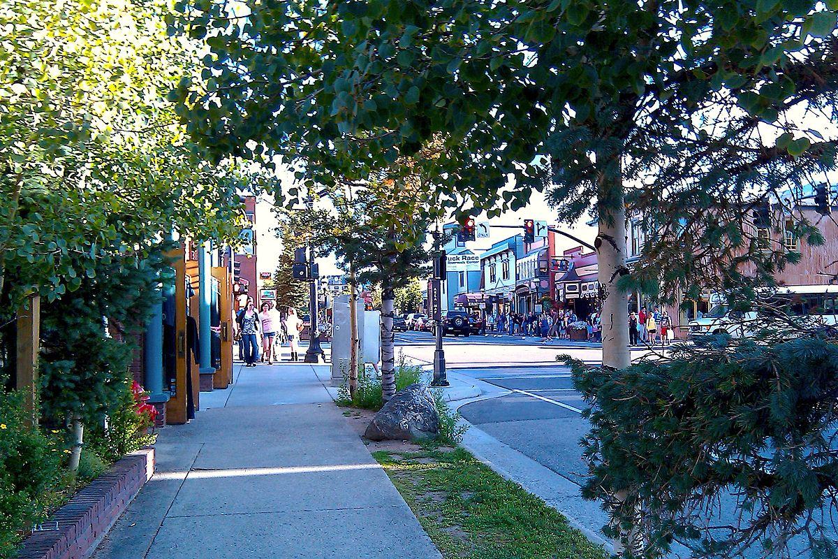 1200px-Breckenridge_Main_Street