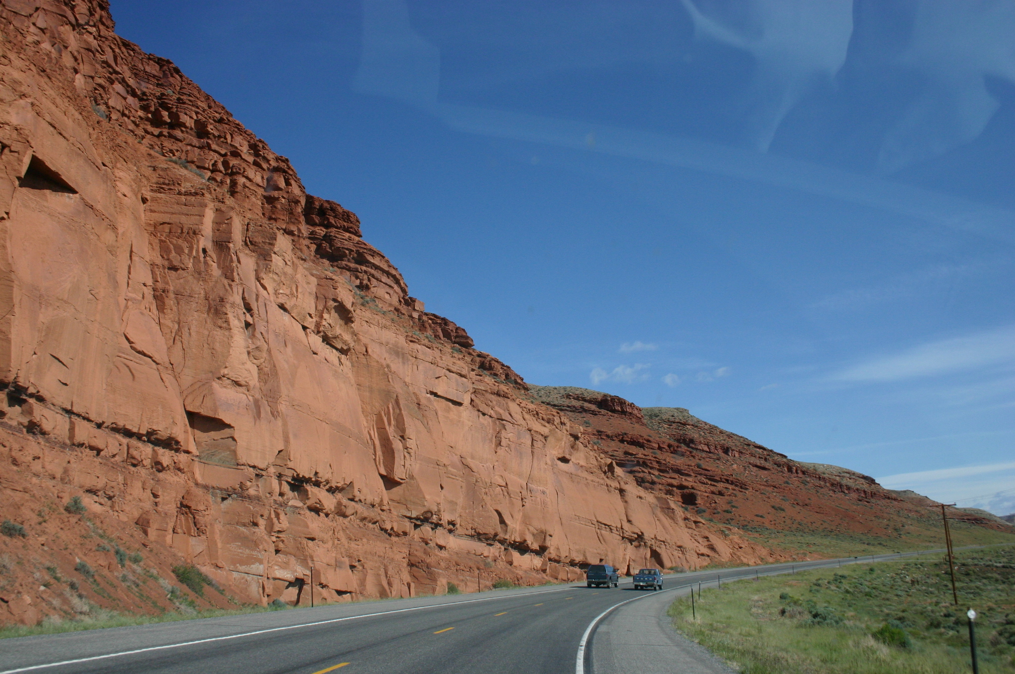 Red_Cliff_along_US287_between_Lander_and_Dubois_in_Wyoming
